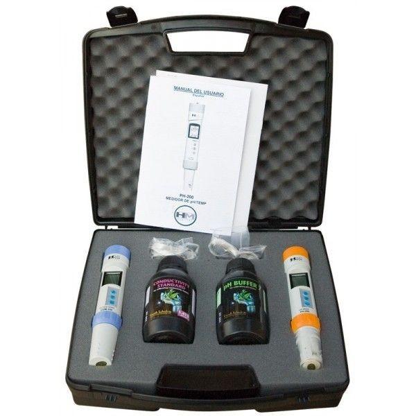 Conjunto de pHmetro y conductímetro HM presentado en maletín de plástico duro y conteniendo las bote