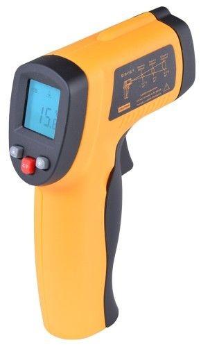 Termómetro con infrarrojos que trabaja en un rango de -50 ºC a 330 ºC por lo que resulta especialmente recomendable para objetos sometidos a altas temperaturas.  Especificaciones del termómetro con infrarrojos:   Rango: -50 to 330ºC. D:S= 12:1. Emisividad